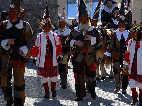 aprica-karneval.jpg